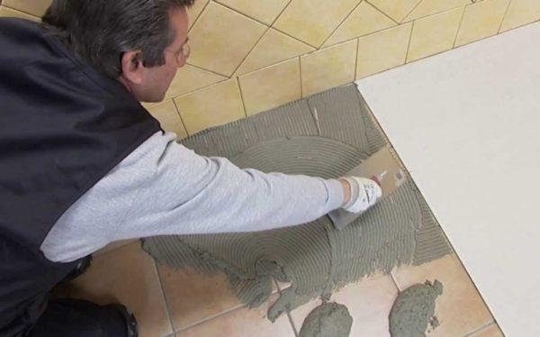 Укладка плитки на старый кафельный пол