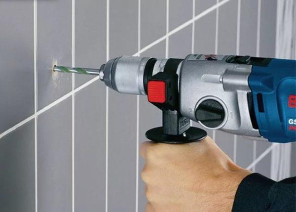 Сверление кафельной стенки