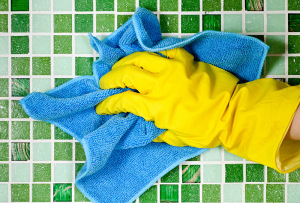 Удаление лишнего герметика химическим способом