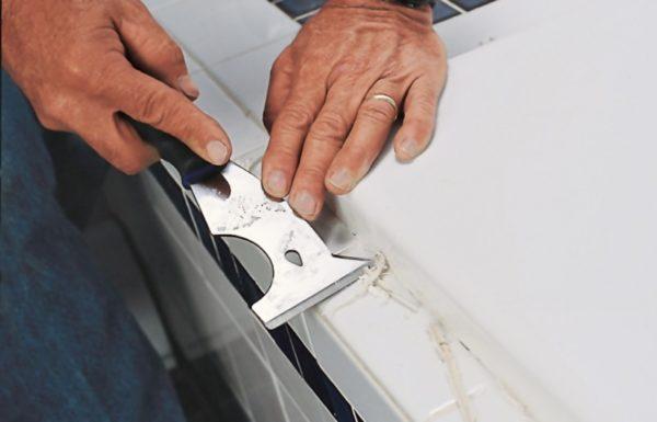 Удаление силиконового герметика механическим способом