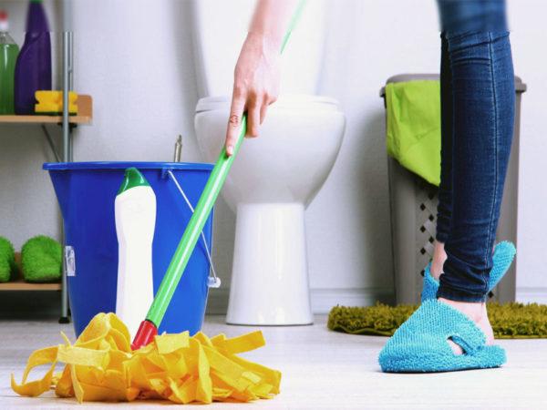 Частая уборка в ванной комнате - профилактика плесени