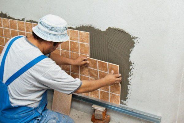 Раскладка плитки на стене