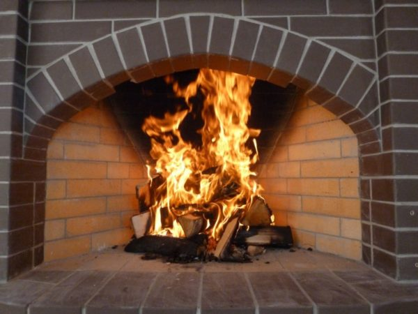 Огнеупорные клеи выдерживают воздействие открытого огня в течение неограниченного времени