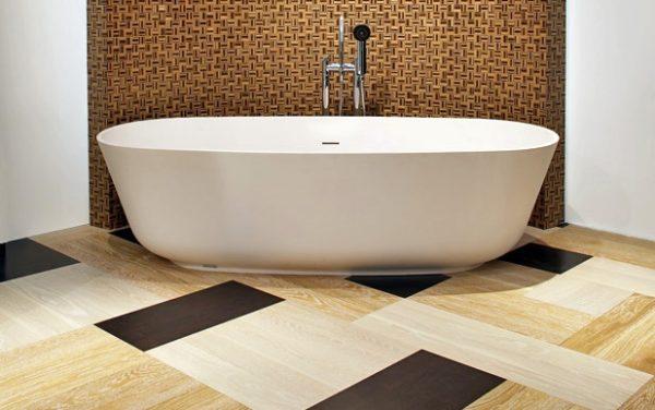 ПВХ плитка в интерьере ванной комнаты