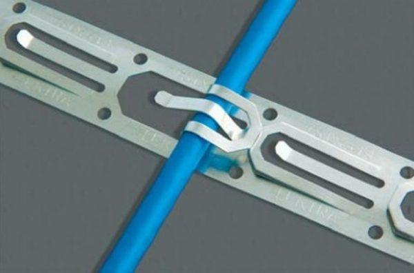 Монтажная лента для фиксации нагревательного кабеля