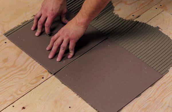 Укладка керамической плитки на фанеру