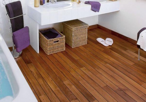 деревянные полы в туалете