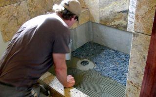 Этапы сооружения душевой кабинки со сливом в полу из керамической плитки