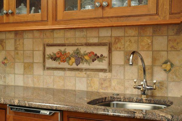 панно из керамической плитки на кухне