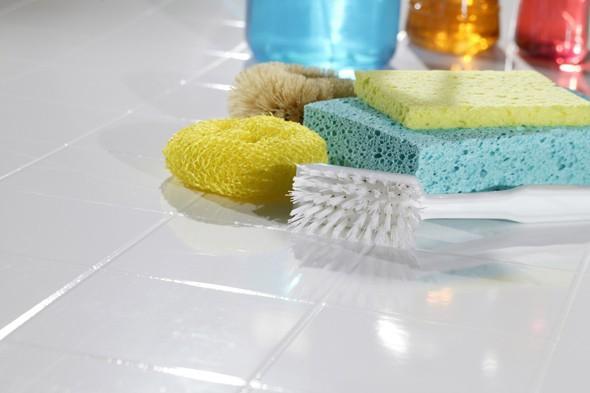 Инвентарь и средства для чистки швов