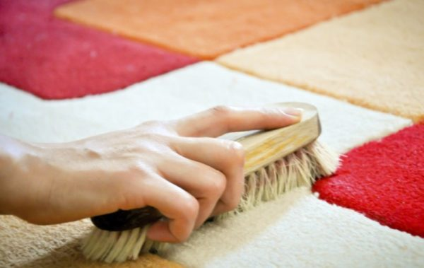 Чистка ковровой плитки