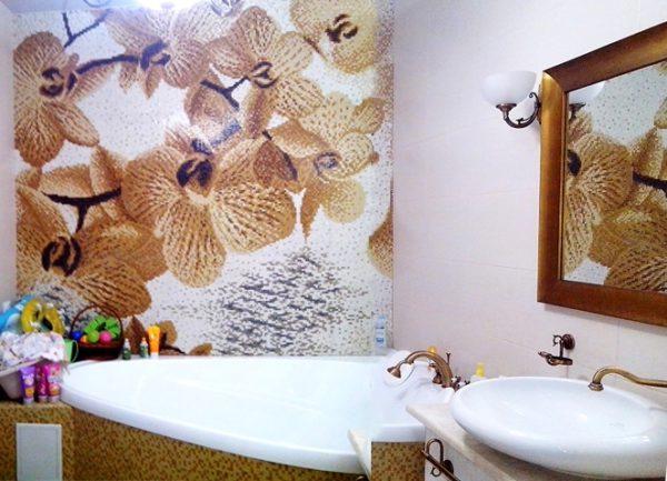 Панно для ванной с изображением цветов