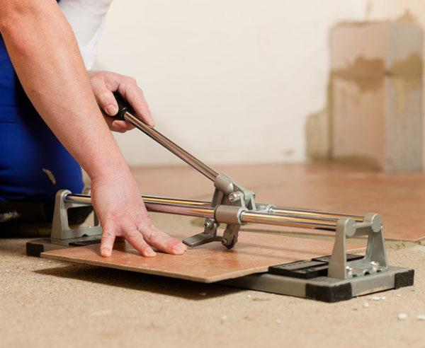Применение ручного плиткореза