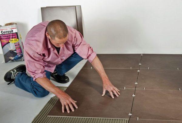 Максимальный слой плиточного клея на пол