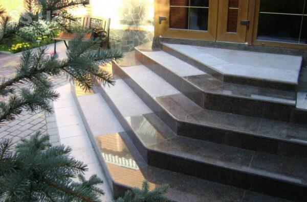 Гранитная плитка для лестницы
