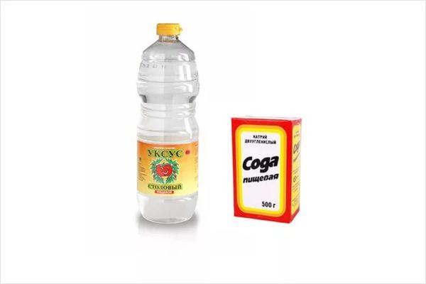 Уксус и сода для приготовления чистящего средства