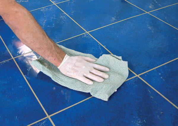 Мытье кафельной поверхности после затирки