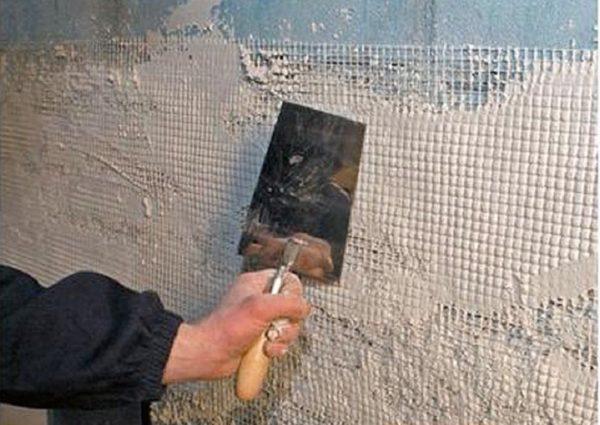 Применение сетки для укрепления стены