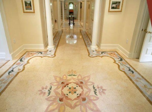 Кафельная плитка на полу в прихожей - это красиво и надолго