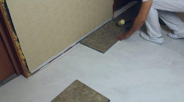 Укладка кварцвиниловой плитки с замковым соединением