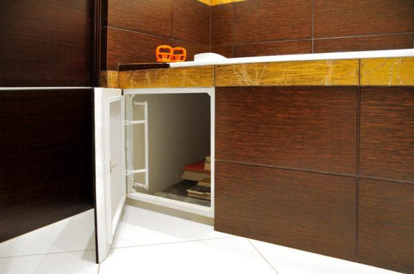 Экран для ванны с ревизионным люком